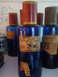 French-country-apothecary-jars