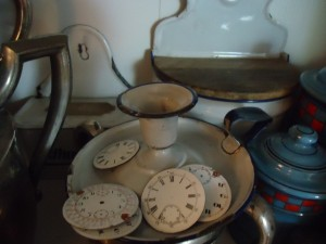 French-country-enamelware-clock-face